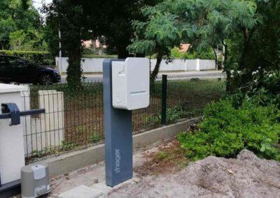 Borne électrique pour voiture